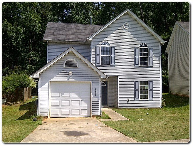 2 Story Home in Thriftwood Subdivision For Sale