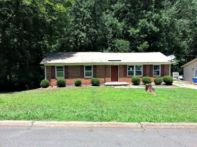 1203 Northwoods Drive Kings Mountain NC 28086, Bungalow Home for Sale Backing onto Wooded Area