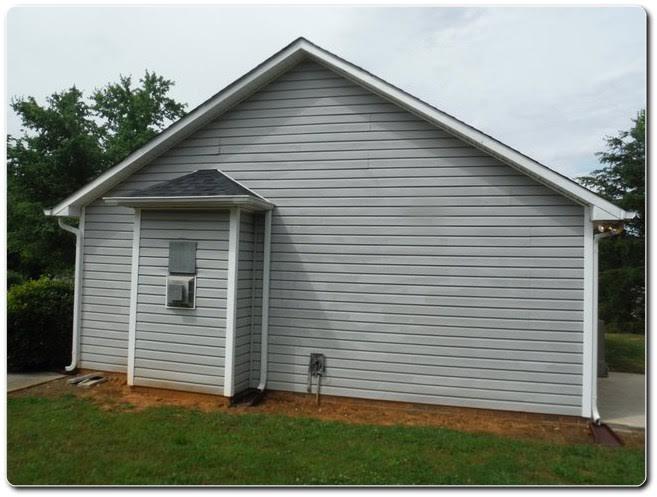 2490 Hawk Ridge Drive, Gastonia NC 28056