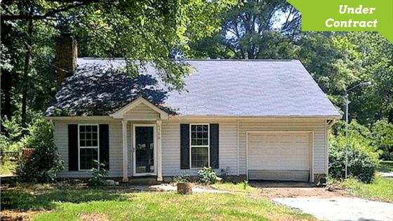 6700 Hickory Trace Drive Charlotte NC 28227, Corner Lot Home for Sale with Garage