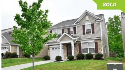 2826 Old House Circle Matthews NC 28105, Home for Rent w/ Open Floor Plan
