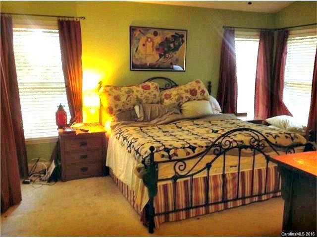 2714 Kirkholm Drive Matthews NC 28105, home for sale