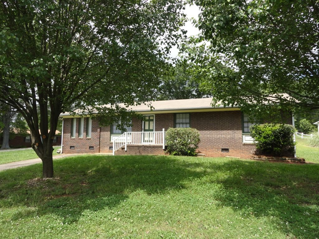 Home for rent 2108 Loblolly Ln Kings Mountain NC 28086