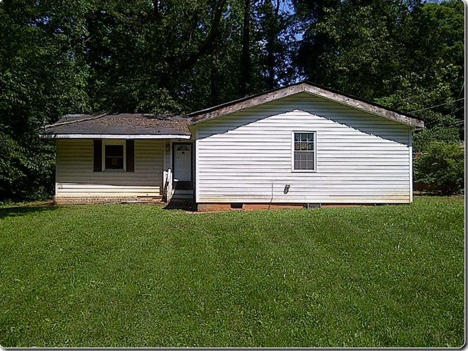 1801 Camp Greene Street Charlotte NC 28208