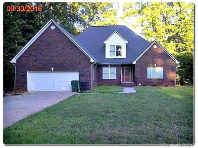 8204 Bella Vista Court Charlotte NC 28216,home for sale in Charlotte NC