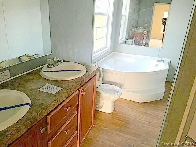 828 Carver Street Shelby NC 28152, home for sale in Shelby NC, Showcase Realty, NC Realtors, homes for sale in Shelby, modular home for sale in Shelby NC