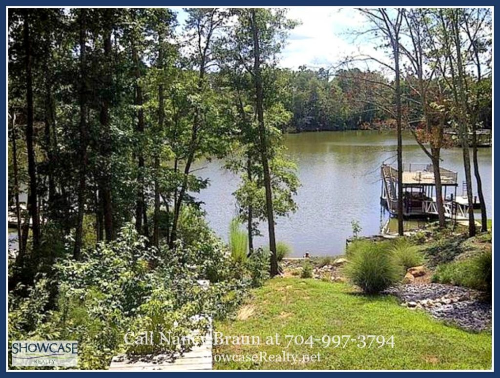 Waterfront Homes for Sale in Lancaster
