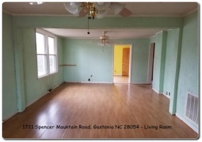 1721 Spencer Mountain Road,Gastonia,Gaston,North Carolina,United States 28054,3 Bedrooms Bedrooms,1 BathroomBathrooms,Home,Spencer Mountain Road,1347